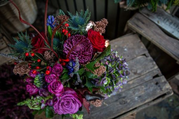 Old Town Christmas Bouquet Pink