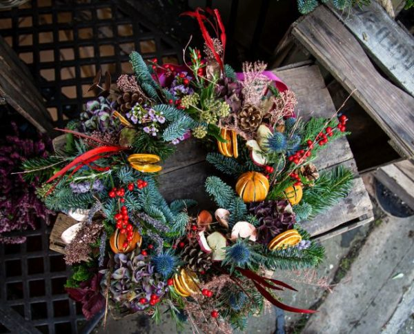 Old Town Wreath Colourful